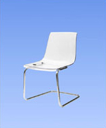3013 - Clear plastic chairs